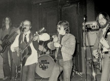 juicemikkocoitus-yo-talo-1974