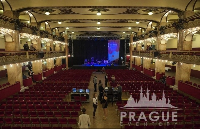 dylanCongress-hall-Prague-Lucerna